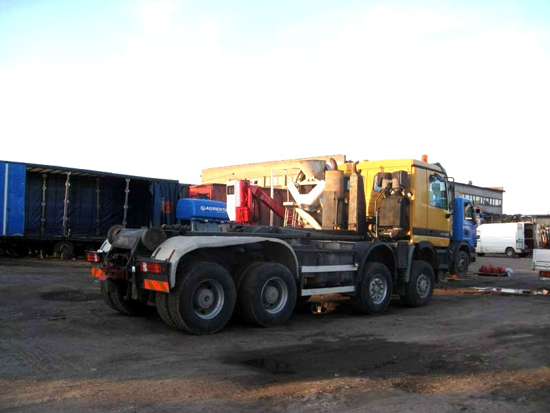 Mercedes-Benz Actros 4140 8×6 1998 Hooklift 2