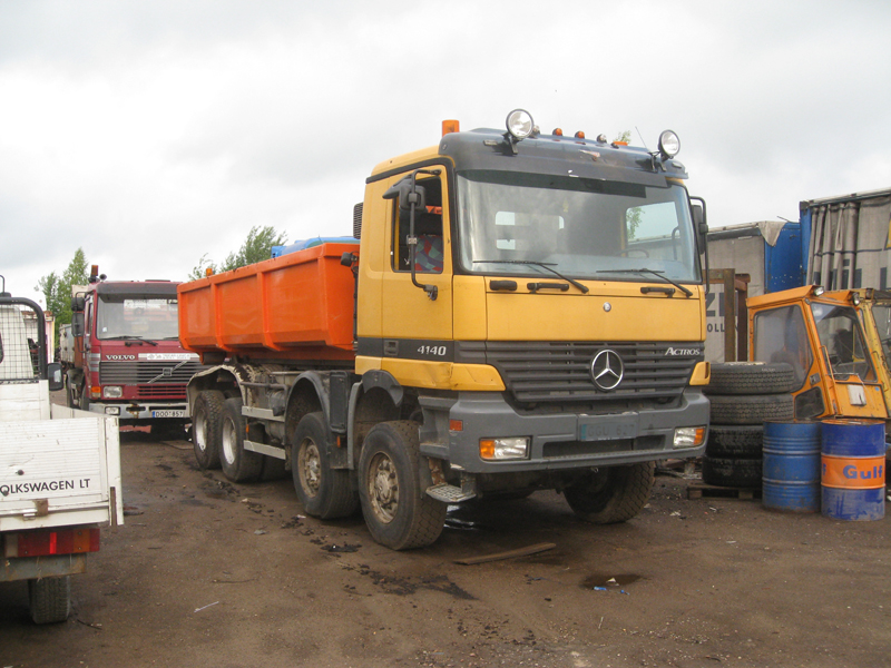 Mercedes-Benz Actros 4140 8×6 1998 Hooklift 1
